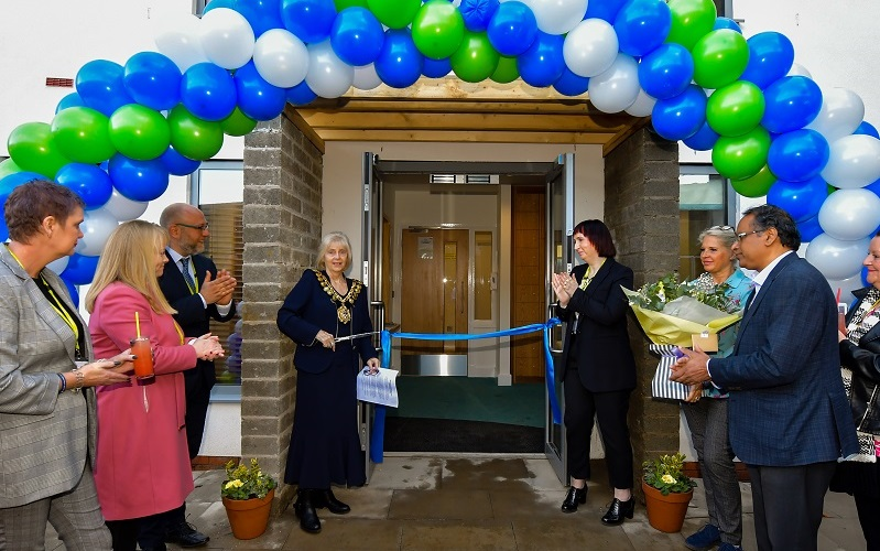 The official ribbon cutting ceremony was carried out by the Mayor of Barnsley